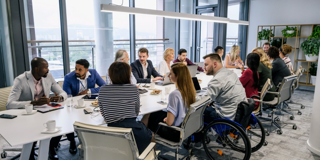 informal-discussions-between-colleagues-in-board-room-picture-id1273400305 (1)